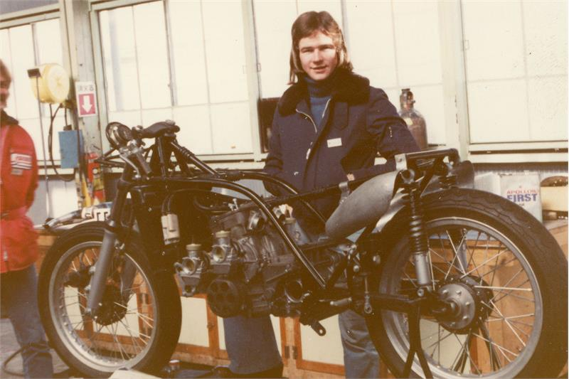MC Live-RG500 Rebuild-Barry Sheene-1