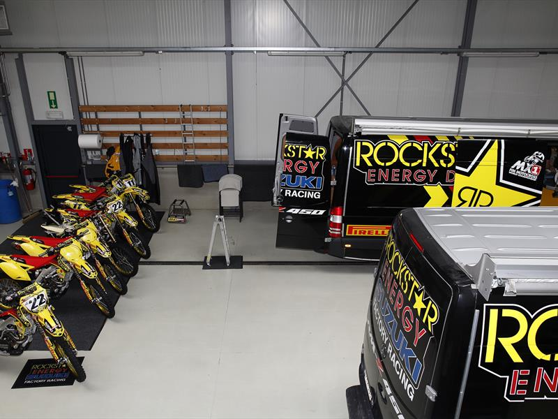 ROCKSTAR ENERGY SUZUKI SET FOR VALENCE